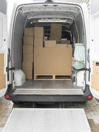 vista de la zona de carga de un camión