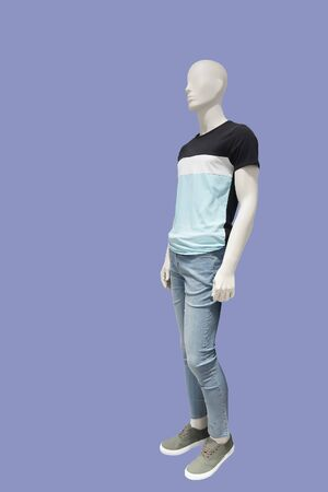 Full-length male mannequin in casual summer clothes, isolated. No brand names or copyright objects. Stock fotó