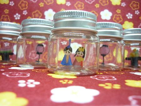 Hinamatsuri bottle art
