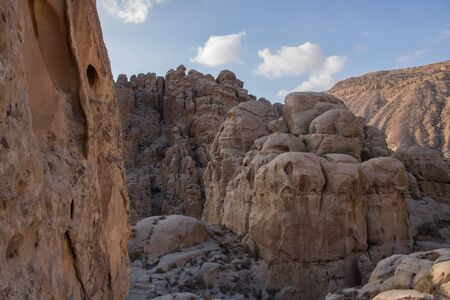 Al-Sila castle is located to the south of Al-Tafilah Governorate, Jordan, about 16 km away, and it is located near the Silaa Village. The castle contains palaces, caves, models of art, sculpture, architecture, amazing irrigation systems and observation to