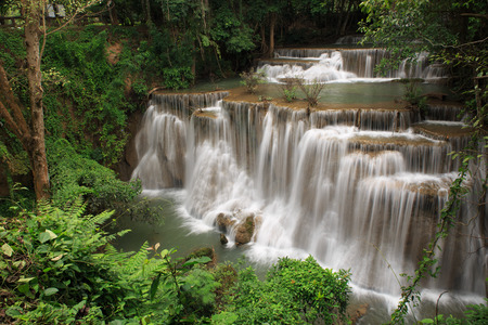 khamin: HUEY MAE KHAMIN WATERFALLS