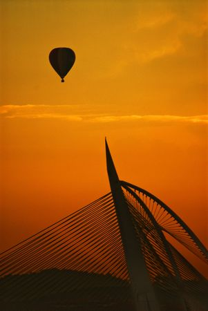 Silhouette of hot air balloon and bridge Stock Photo - 4741693