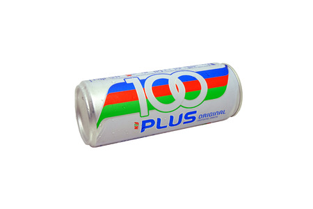 isotonic: KUALA LUMPUR, MALAYSIA - September 14, 2015. 100Plus is a brand of carbonated isotonic sports drink manufactured by Fraser  Neave Limited.