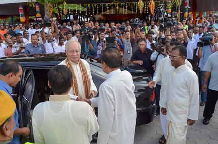 pekan: Kuala Lumpur, Malaysia  November 2, 2013. 6th Malaysia Prime Minister, Najib Razak, meeting with people during open house on Deepavali celebration in Kuala Lumpur, Malaysia.