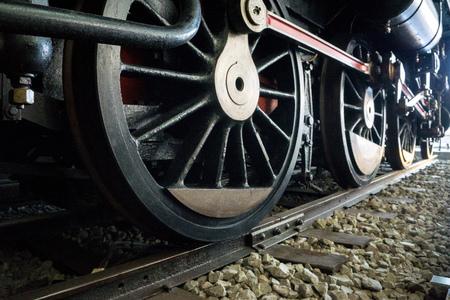 ヴィンテージと古い輸送の概念。列車は最も古い大量輸送の一つです。