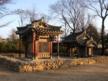 shrine: a small shrine in seoul