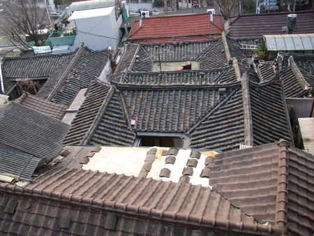 olden: traditional korean tiled roof making a square shape Stock Photo