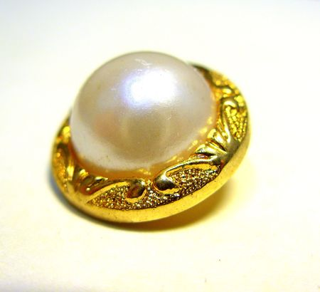 beautiful pearl button photo
