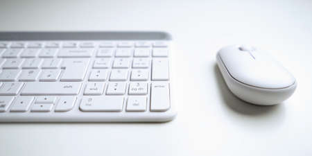 Wireless computer keyboard and mouse isolated on white backgroun 版權商用圖片