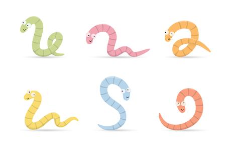 Set van schattige veelkleurige lachende wormen in verschillende poses geïsoleerd op een witte achtergrond