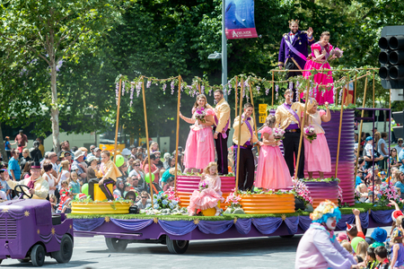 pageant: Adelaide, South Australia - November 14, 2015: Pageant Royal Family float at Credit Union Christmas Pageant 2015. Christmas Pageant is a community event with fantasy and fairy floats, colourful characters, clowns, bands, dancers and more! Editorial