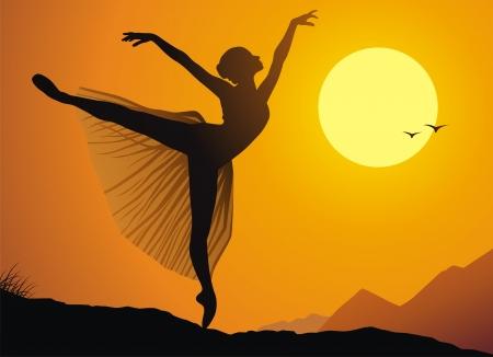 Het meisje van de ballerina dansen tegen een zonsondergang