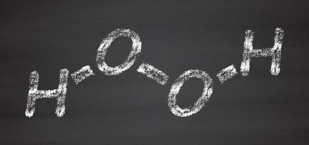 desinfectante: El hidrógeno molécula de peróxido. Especies reactivas de oxígeno (ROS). Se utiliza como agente blanqueador, desinfectante, reactivo químico, etc. tiza en la pizarra estilo de ilustración.