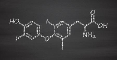 hipofisis: Triiodothyronine (T3, liothyronine) thyroid hormone molecule. Pituitary gland hormone. Also used as drug to treat hypothyroidism. Chalk on blackboard style illustration.