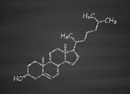 membrana cellulare: molecola di colesterolo. componente essenziale delle membrane cellulari e precursore di ormoni steroidei, acidi biliari e vitamina D. gesso sulla lavagna stile illustrazione. Archivio Fotografico
