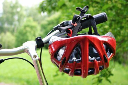Casque de bicyclette de rouge