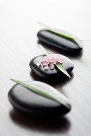 cleaness: Pink bath salt on black stone
