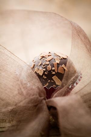 praline: Close-up van chocolade pralines met ondiepe focus