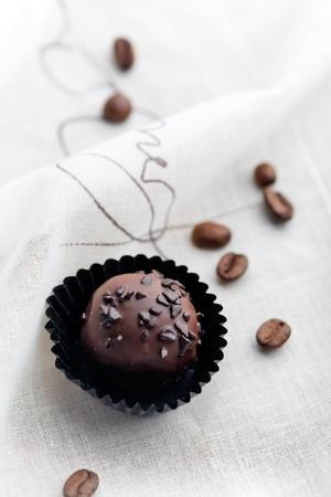 praline: Close up of chocolate pralines with shallow focus