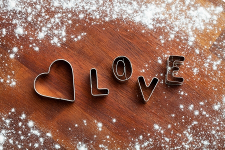 pastry cutter: Letters of love cookie cutters for Valentine´s day
