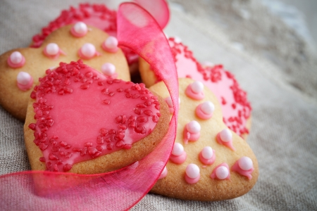 mother 's day: Pink heart shape cookies for Valentine´s Day celebration Stock Photo