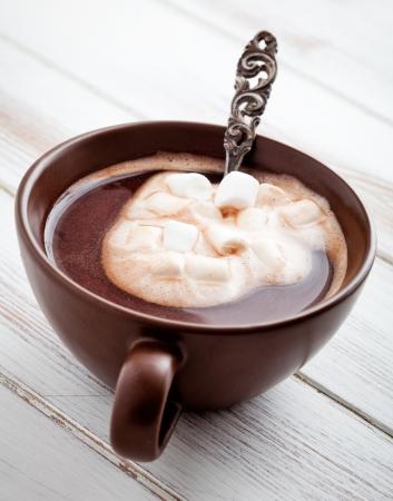 milk chocolate: Hot chocolate with white marsmallows, selective focus Stock Photo