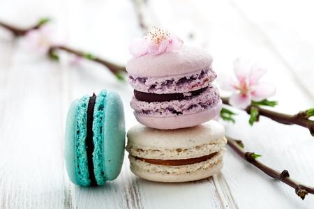 フランスのマカロン ピンク、ターコイズ、ホワイト 写真素材