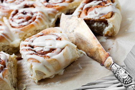 bread rolls: Cinnamon rolls with cream cheese icing