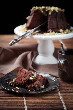 pastel de chocolate: Torta del bundt con pistachos