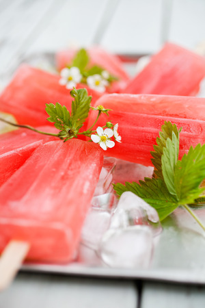 popsicles: Homemade rhubarb strawberry popsicles