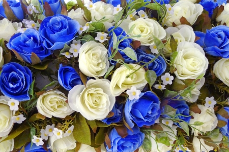 Artificial rose flowers decoration with white and dark blue roses pattern