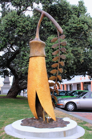 dibble: The Gold of the Kowhai - Napier, New Zealand.