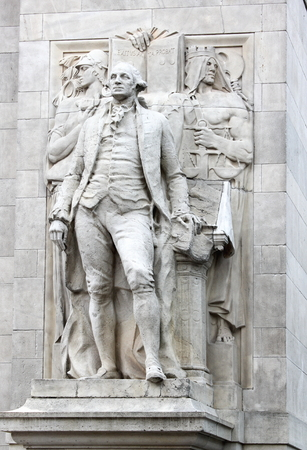 exitus: New York, USA - September 27 2016: Close up of Washington accompanied by Wisdom and Justice (by Alexander Stirling Calder) located on the arch entrance of Washington Square Park. Editorial