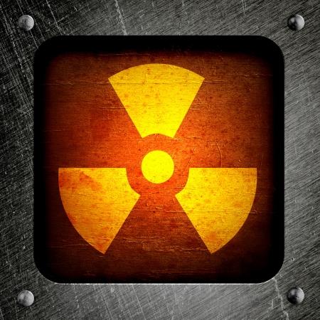 radiactividad: radiactividad s�mbolo en un fondo barril grungy