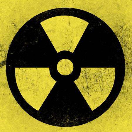 radiactividad: S�mbolo de la radiactividad en un fondo sucio barril