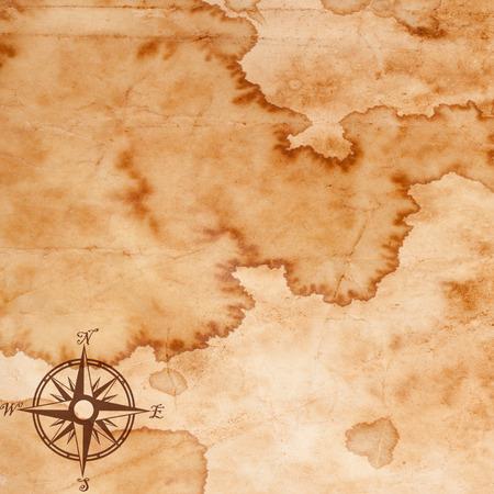 carte tr�sor: vieille carte avec une boussole sur elle Banque d'images