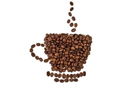 coffe bean: una taza hecha de granos de caf� aislados sobre fondo blanco