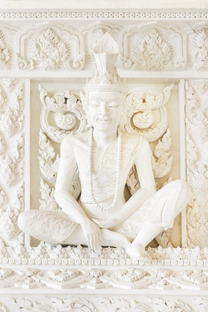 recluse: white recluse in temple