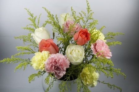 flower bunquet with roses, carnations and statices, used in wedding and celebration   Stock Photo