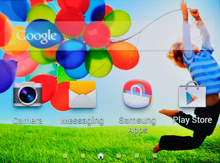 Google search and app on the newest Samsung mobile phone Galaxy S4
