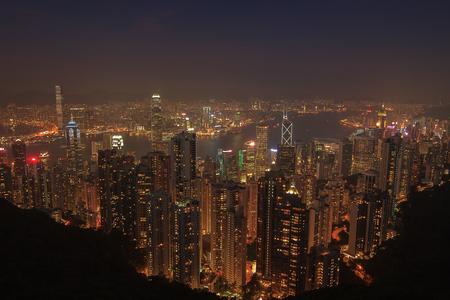 Luchtfoto uitzicht op de avond van Hong Kong skyline en Victoria Harbor. Reisbestemmingen. Stockfoto