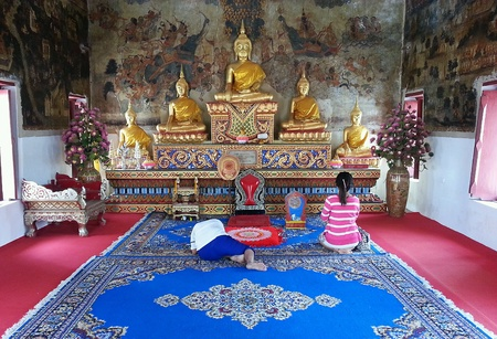 bowing: Buddhist are bowing to buddha statue