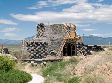 Sustaible building - een eartship in aanbouw Stockfoto
