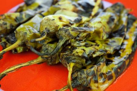 Fuoco peperoncino arrostito o arrosto verde chiles, come sono chiamati in Nuovo Messico