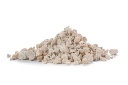 filtración: La piedra pómez es una roca volcánica versátil que se utiliza en la filtración de agua, la contención de derrames químicos, la fabricación de cemento y como sustrato de crecimiento para nombrar sólo unas pocas aplicaciones.