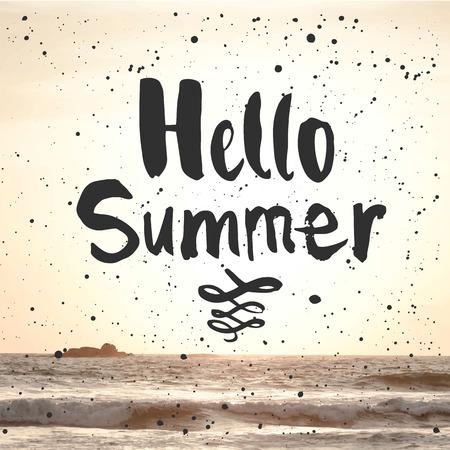 siervo: La puesta del sol de verano junto al mar. Hola Verano. Vista del mar cálido verano.