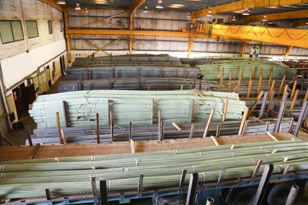 공장에서 산업 철강 철 막대