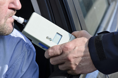 felony: photo depicting clinical tests trzezewosci state driver by a policeman
