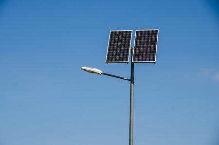 사진은 태양 에너지를 이용하는 방법을 도시한다.