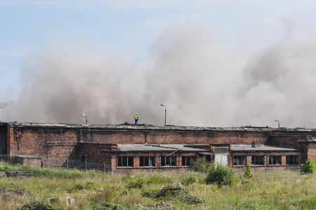 dinamita: The next stages of demolition dynamite industrial building